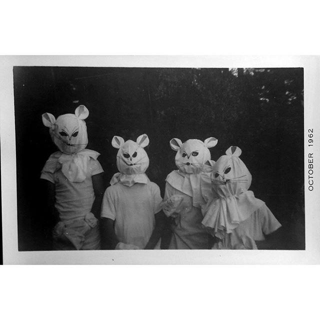 Childhood Memories Rediscovered in one Old Photograph from Family Archives