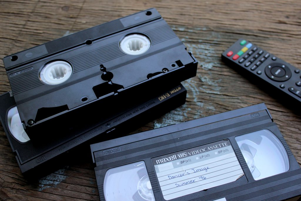 a-step-by-step-guide-to-digitizing-and-sharing-your-old-family-movies